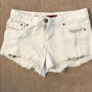 Hot Kiss white shorts